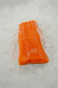Picture of Salmon loins, fresh, skin-on, boneless, size 400/+ gr